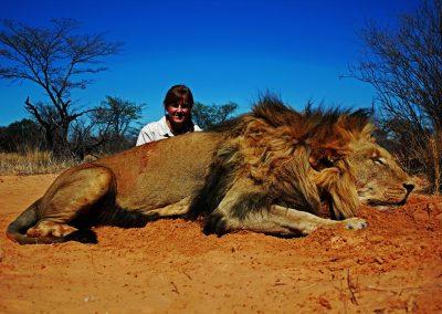 Minimum legal caliber to hunt lions in Africa