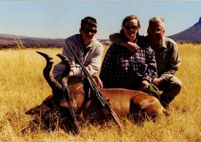 Hunting rooihartbees