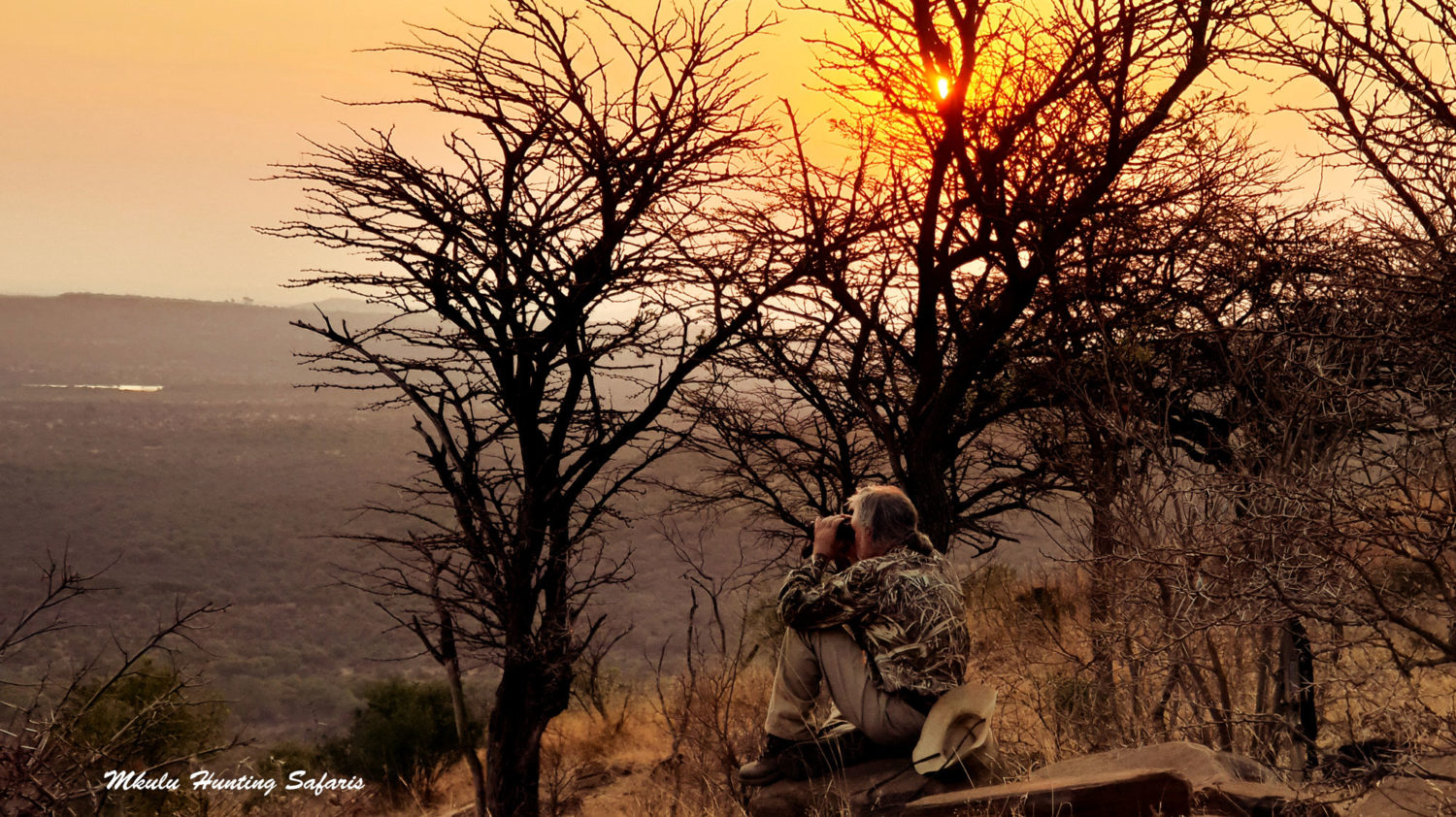 Hunting areas and hunting camps in South Africa and Zimbabwe